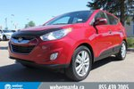 This Red 4 door LIMITED AWD - GREAT VALUE - NO FEES - WE FINANCE SUV features  a 6 Spd Automatic transmission, a  2.4L  I 4 engine, and has 84339 kilometres on it.