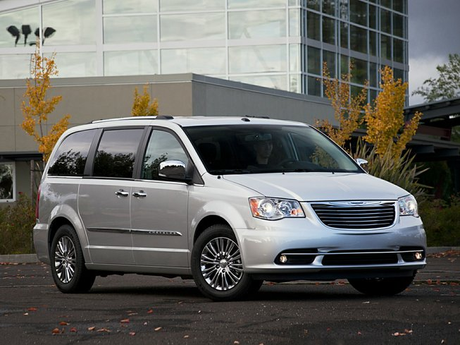 2013 Chrysler Town & Country in Langley, British Columbia
