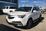 This White 4 door Elite SUV features  a 6 Spd Automatic transmission, a  3.7L  V 6 engine, and has 152468 kilometres on it.