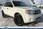 This White 4 door XLT SUV features  a 6 Spd Automatic transmission, a  3.0L  V 6 engine, and has 170156 kilometres on it.