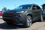 This Green 4 door Trailhawk 4X4 - LEATHER - B/U CAM - NO FEES SUV features  a 9 Spd Automatic transmission, a  2.4L  I 4 engine, and has 7044 kilometres on it.