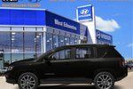 This Black 4 door Sport/North SUV features  a Automatic transmission, a  2.4L  I 4 engine, and has 43817 kilometres on it.