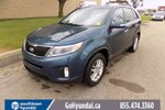 This Blue 4 door PW, PL, AC, BLUETOOTH, AWD SUV features a Black interior a 6 Spd Automatic transmission, a  2.4L  I 4 engine, and has 45043 kilometres on it.