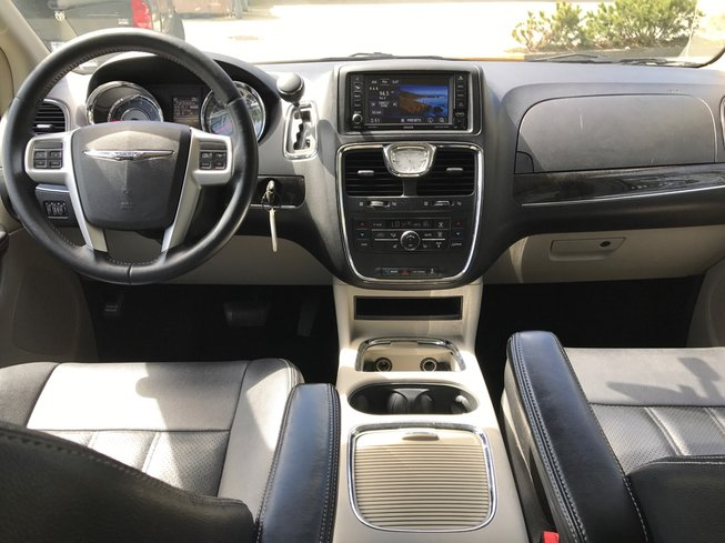 2014 Chrysler Town & Country in Surrey, British Columbia