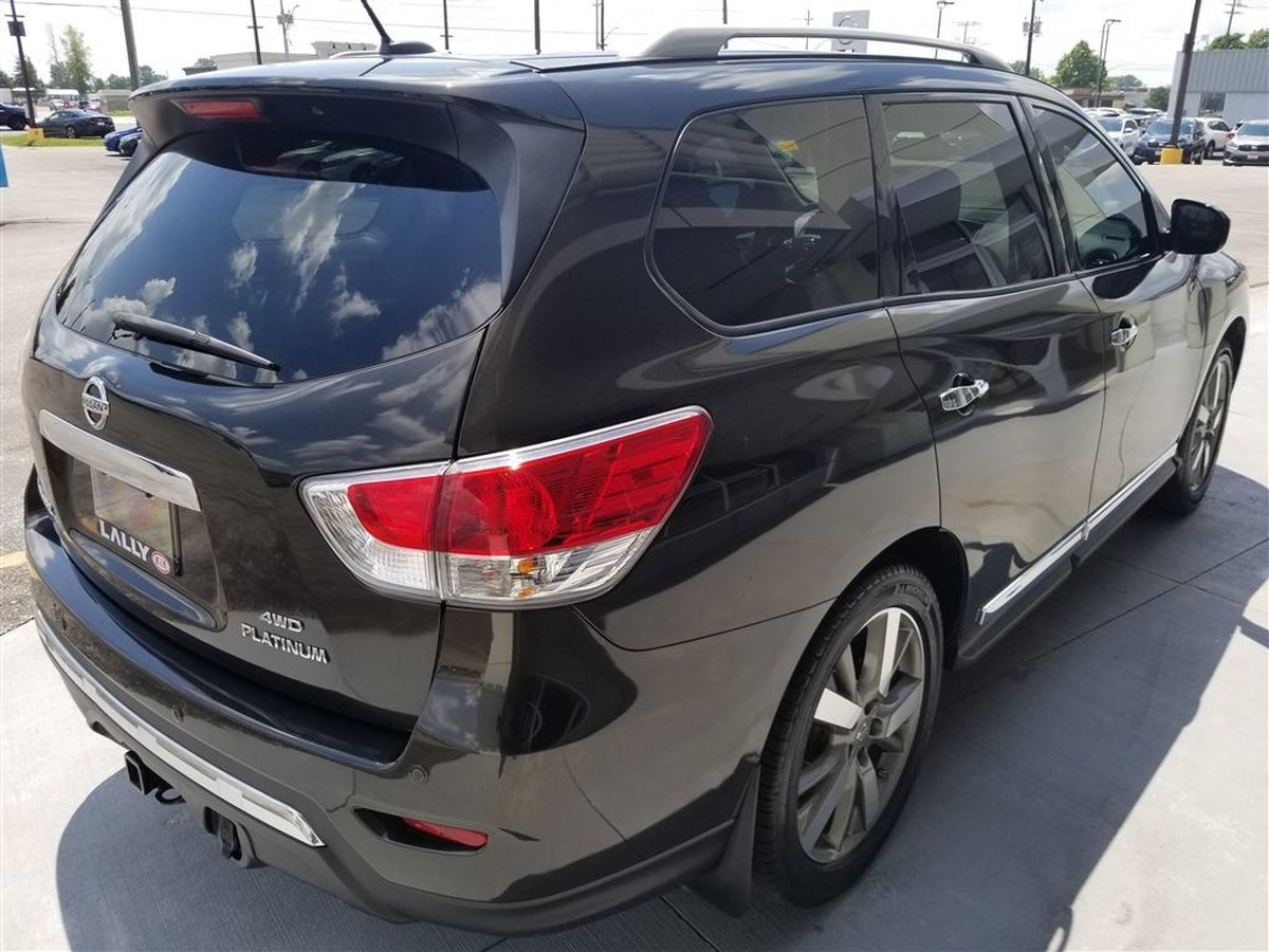 2015 Nissan Pathfinder for sale in Chatham, Ontario