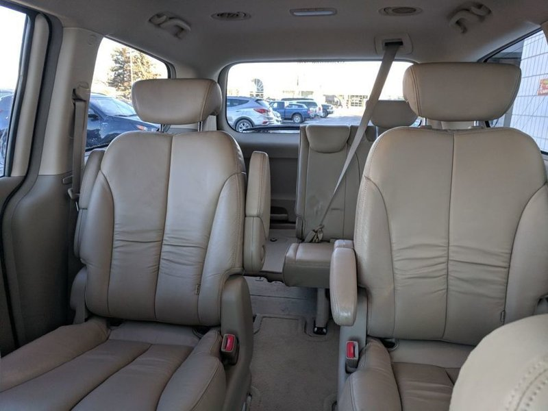 2007 Kia Sedona for sale in Calgary, Alberta
