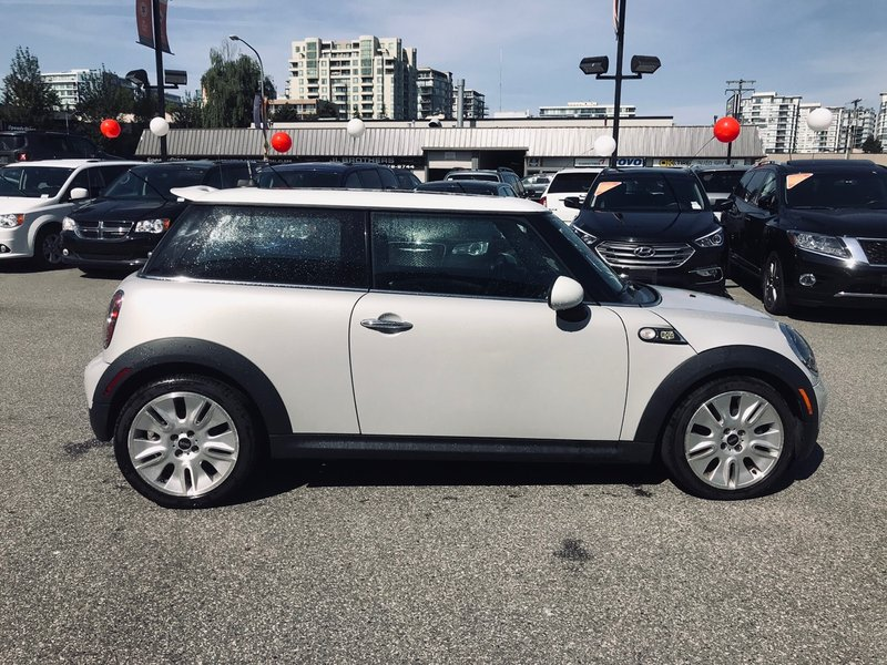 2010 MINI Cooper Hardtop for sale in Richmond, British Columbia