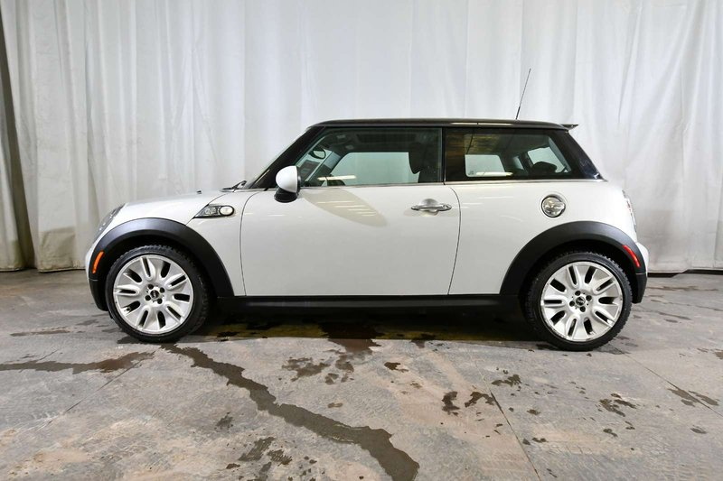 2010 MINI Cooper Hardtop for sale in Red Deer, Alberta