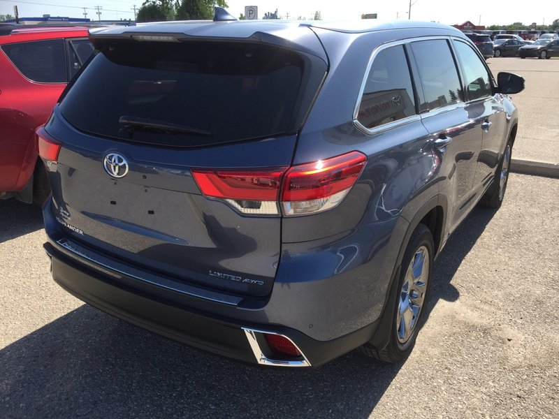 2018 Toyota Highlander for sale in Portage La Prairie, Manitoba