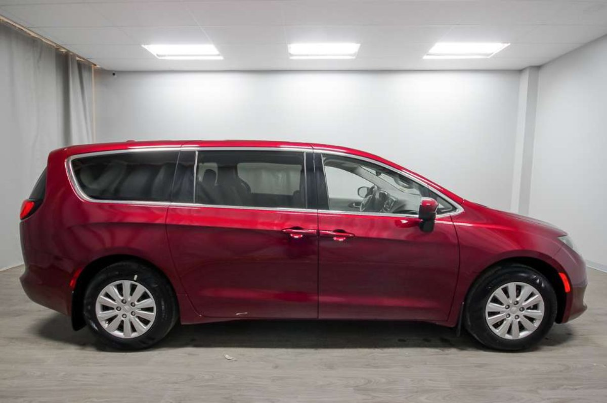 2017 Chrysler Pacifica for sale in Moose Jaw, Saskatchewan
