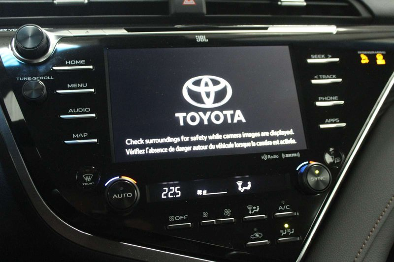2018 Toyota Camry Hybrid for sale in Winnipeg, Manitoba