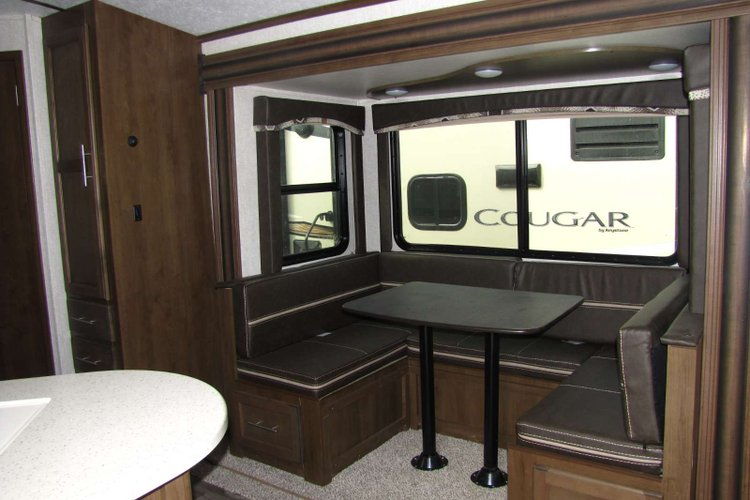 2019 Keystone Cougar 25BHSWE  CLEARANCE! Only $181 biweekly OAC. New Travel Trailer RV, sleeps 8 with bunk beds! for sale in Edmonton, Alberta