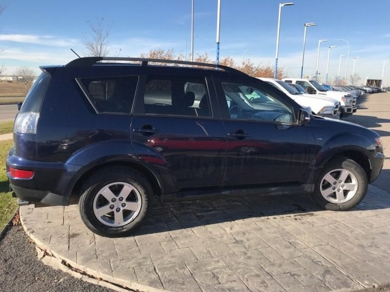 2013 Mitsubishi Outlander for sale in Calgary, Alberta