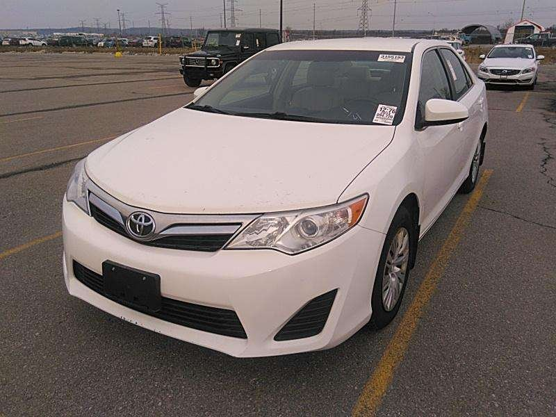 2014 Toyota Camry for sale in Toronto, Ontario