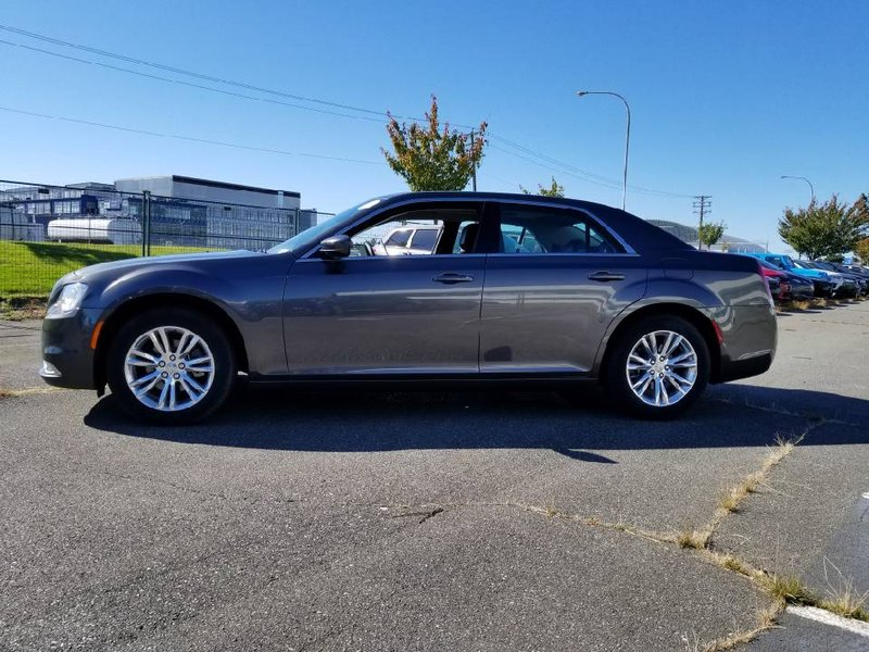 2017 Chrysler 300 for sale in Richmond, British Columbia