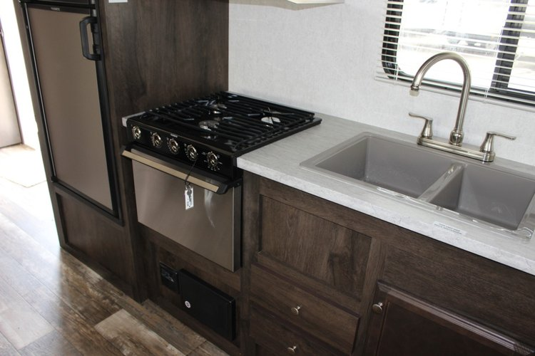 2019 Starcraft AUTUMN RIDGE OUTFITTER 23RLS  Only $96 biweekly OAC. New Travel Trailer RV, sleeps 5-6!  for sale in Leduc, Alberta