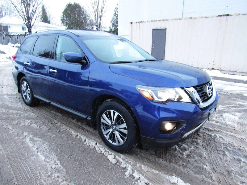 2017 Nissan Pathfinder for sale in Midland, Ontario