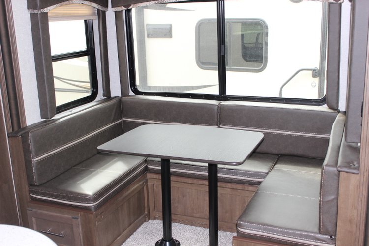 2019 Keystone COUGAR 25BHSWE  CLEARANCE! Only $181 biweekly OAC. New Travel Trailer RV, sleeps 8 with bunk beds!  for sale in Leduc, Alberta