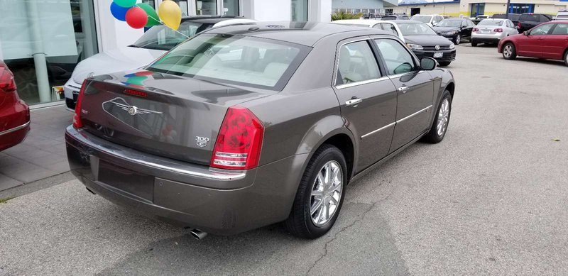 2010 Chrysler 300 for sale in Langley, British Columbia
