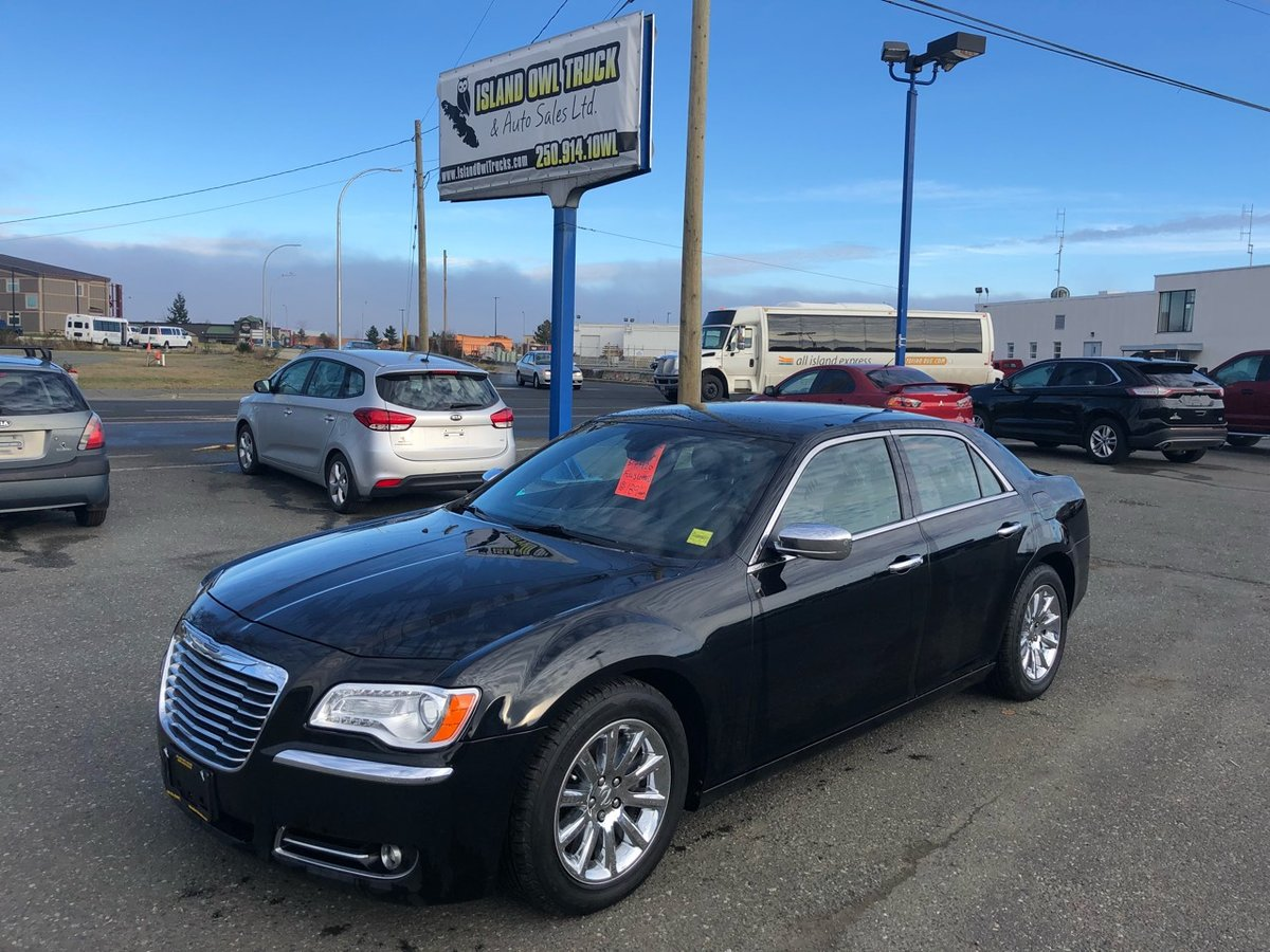 2012 Chrysler 300C for sale in Campbell River, British Columbia