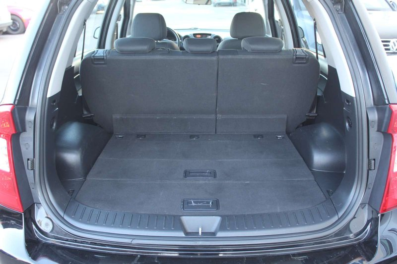 2008 Kia Rondo for sale in Edmonton, Alberta
