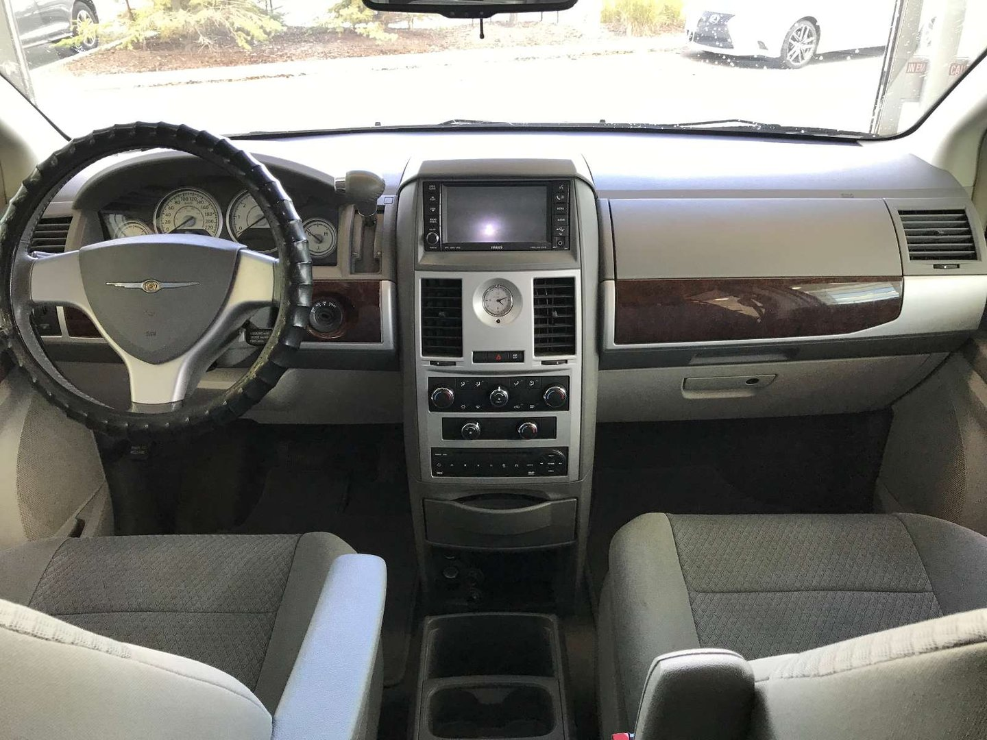 2009 Chrysler Town & Country Touring for sale in Edmonton, Alberta