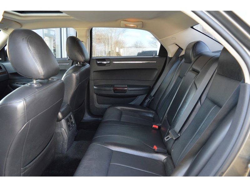 2010 Chrysler 300 for sale in Chatham, Ontario