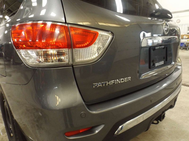2015 Nissan Pathfinder for sale in Calgary, Alberta