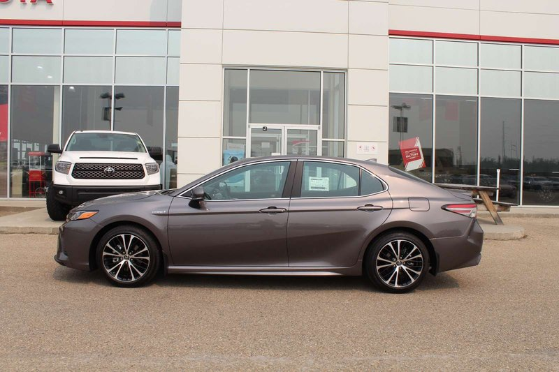2018 Toyota Camry Hybrid for sale in Drayton Valley, Alberta