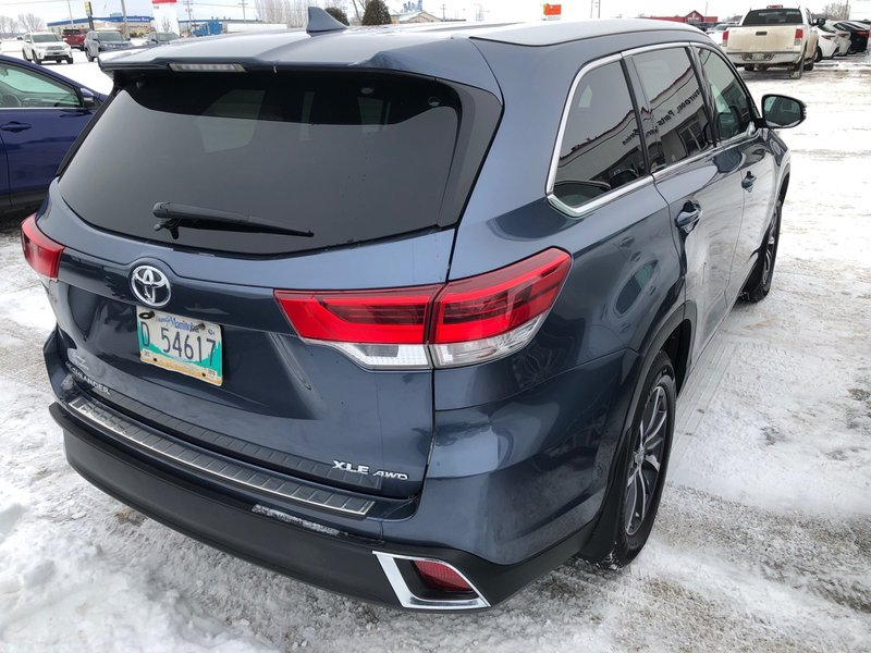 2017 Toyota Highlander for sale in Portage La Prairie, Manitoba
