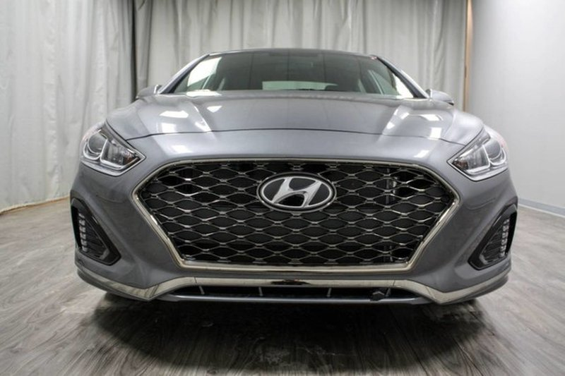 2018 Hyundai Sonata for sale in Moose Jaw, Saskatchewan
