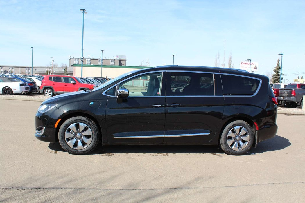 2018 chrysler pacifica hybrid for sale in edmonton. Black Bedroom Furniture Sets. Home Design Ideas