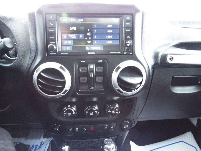 2013 Jeep Wrangler Unlimited for sale in Midland, Ontario