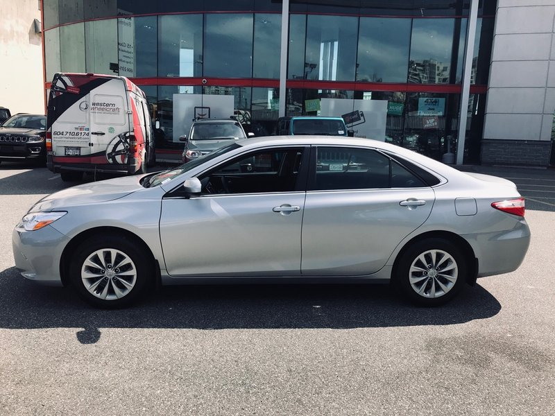 2017 Toyota Camry for sale in Richmond, British Columbia