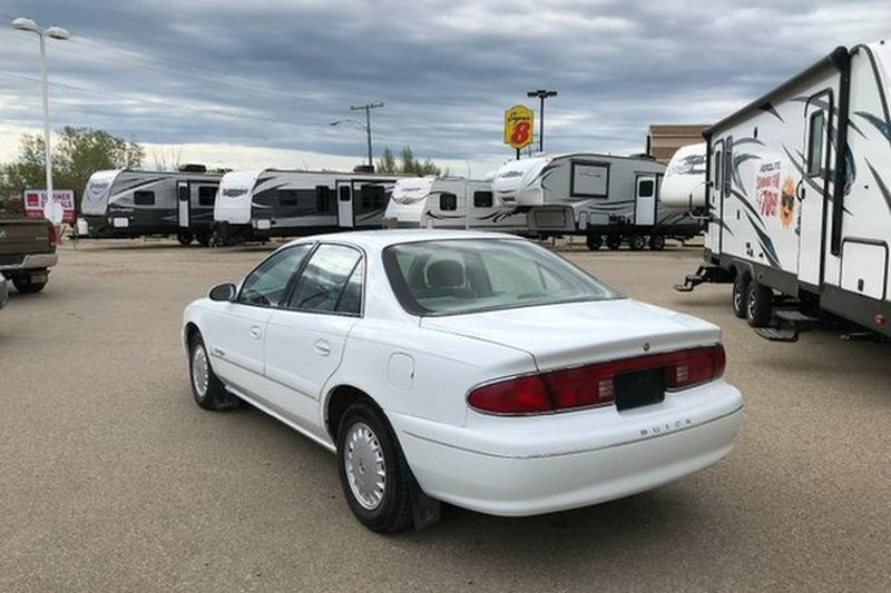 1999 Buick Century for sale in Moose Jaw, Saskatchewan