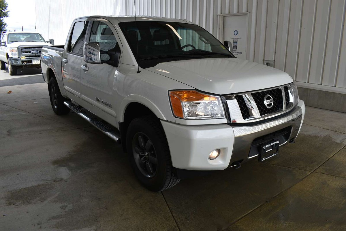 2014 Nissan Titan for sale in Campbell River, British Columbia