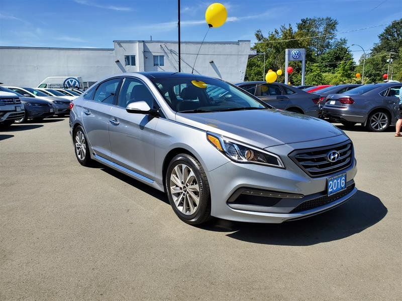 2016 Hyundai Sonata for sale in Courtenay, British Columbia