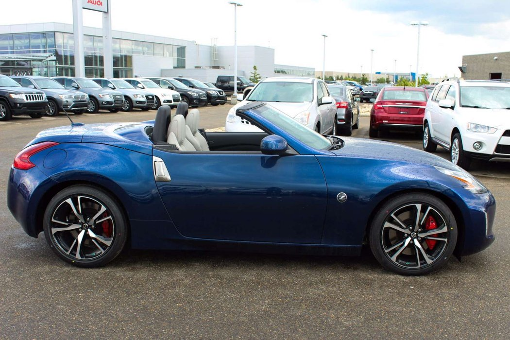 2018 nissan 370z roadster for sale in edmonton. Black Bedroom Furniture Sets. Home Design Ideas