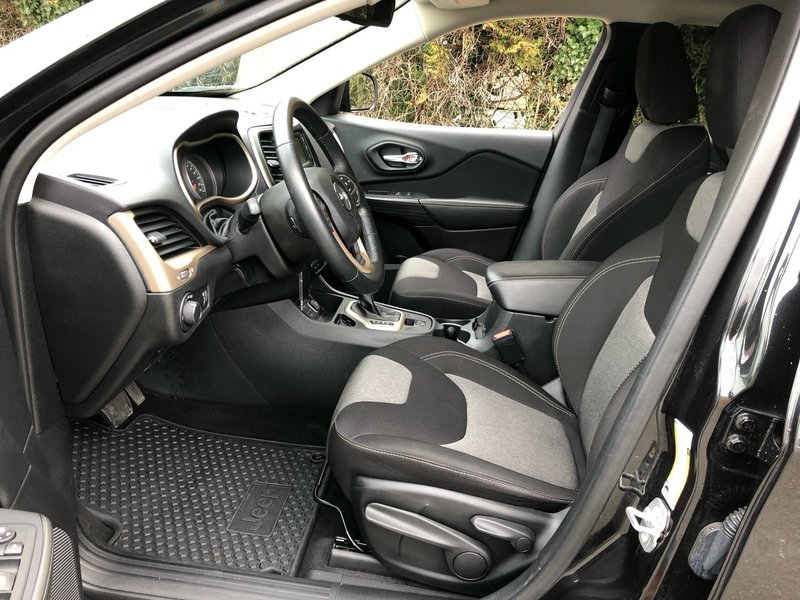2015 Jeep Cherokee for sale in Surrey, British Columbia