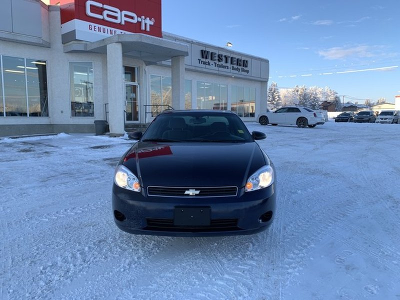 2007 Chevrolet Monte Carlo for sale in Moose Jaw, Saskatchewan
