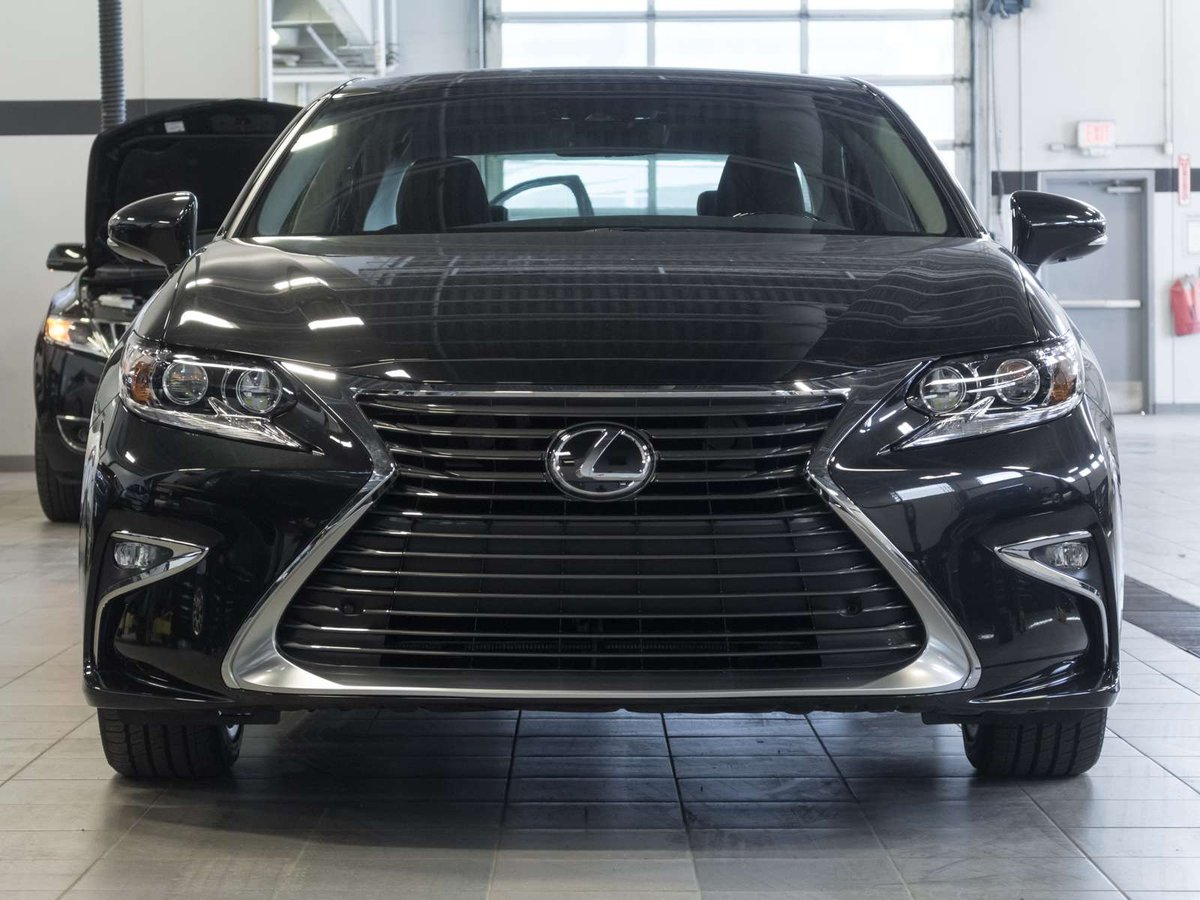 2018 Lexus ES for sale in Kelowna, British Columbia