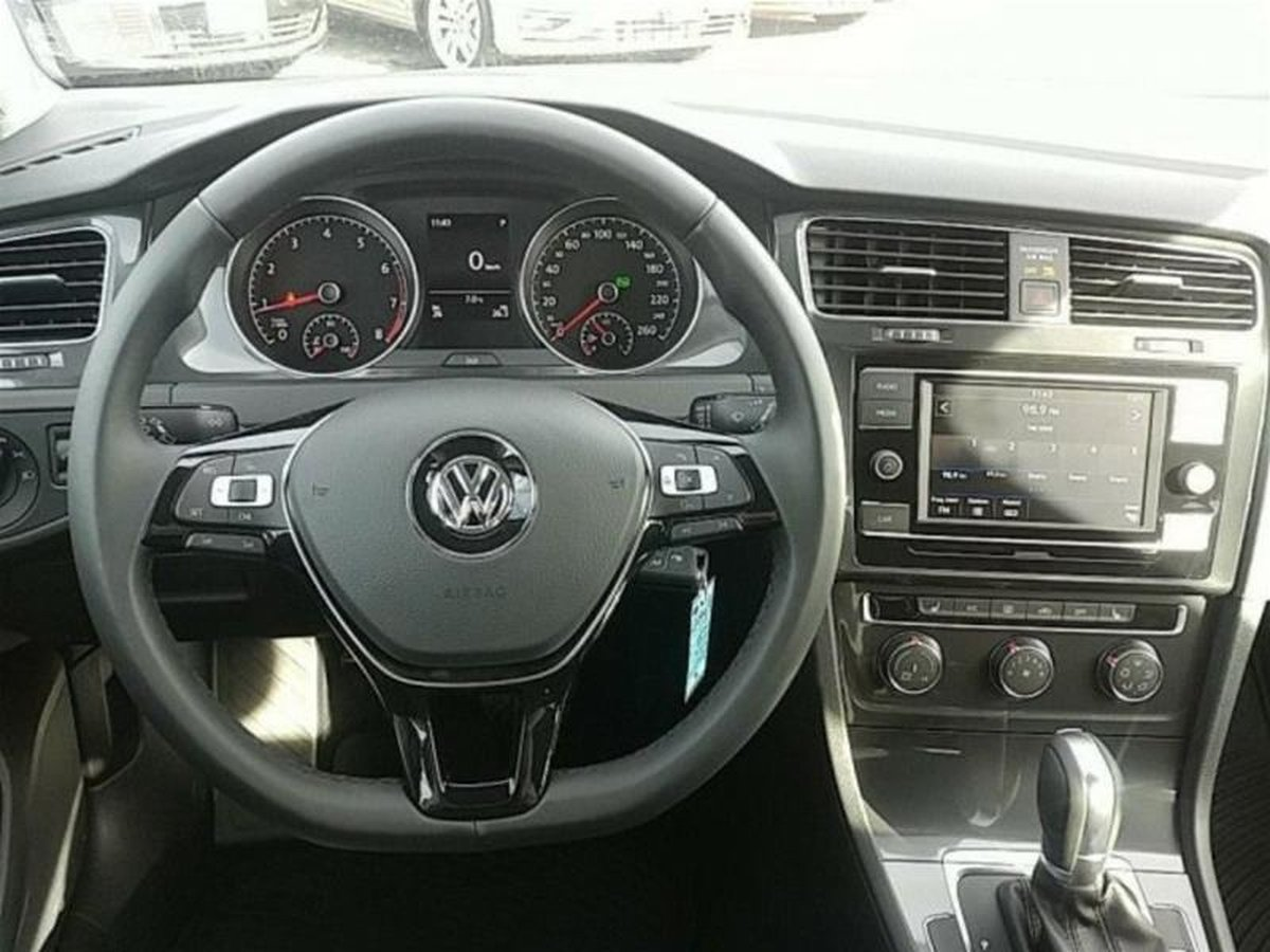 2018 Volkswagen Golf Sportwagen for sale in Courtenay, British Columbia