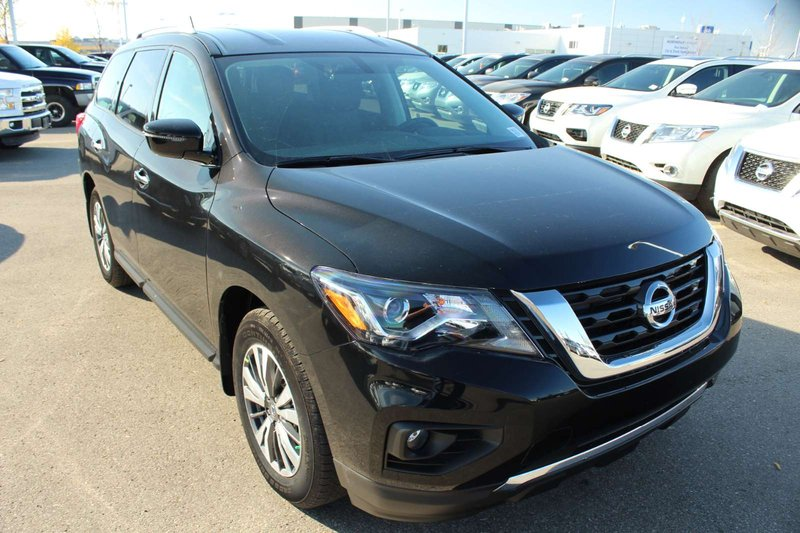 2018 Nissan Pathfinder for sale in Edmonton, Alberta