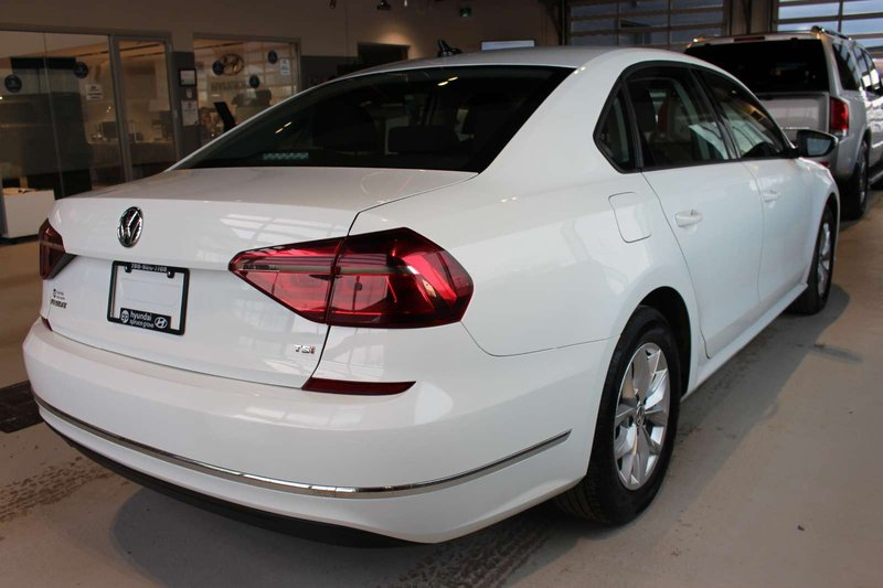 2018 Volkswagen Passat for sale in Spruce Grove, Alberta