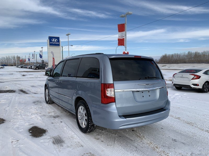 2013 Chrysler Town & Country for sale in Moose Jaw, Saskatchewan