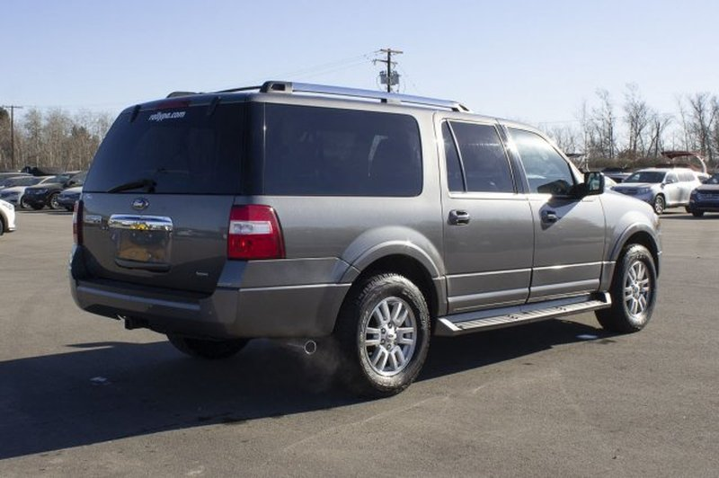2012 Ford Expedition MAX for sale in Prince Albert, Saskatchewan