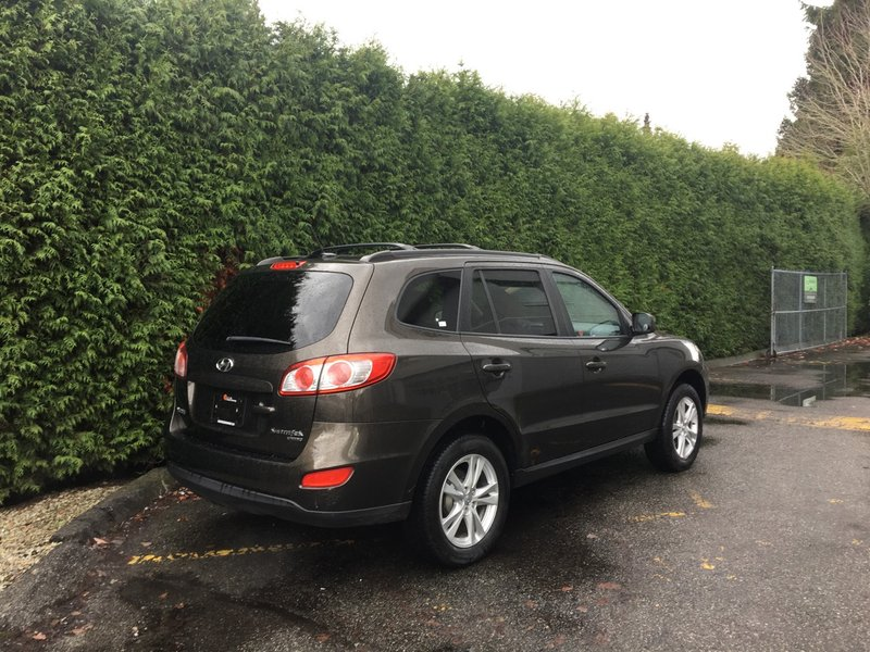 2011 Hyundai Santa Fe for sale in Surrey, British Columbia