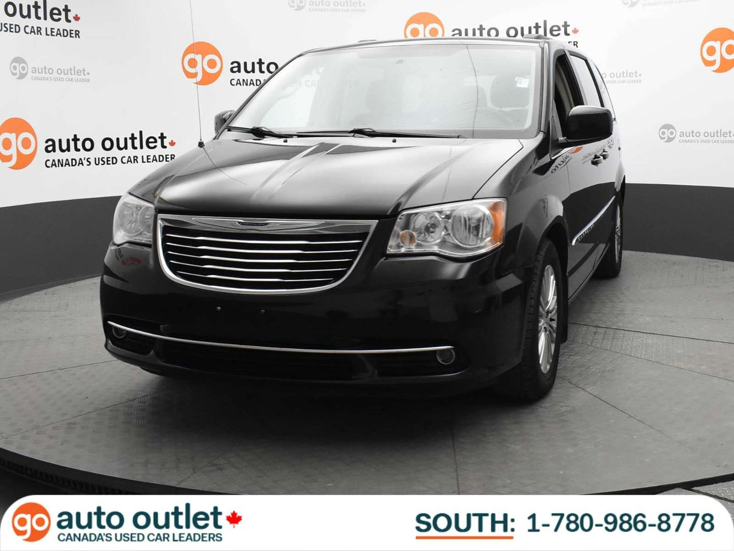 2013 Chrysler Town & Country Touring-L for sale in Leduc, Alberta