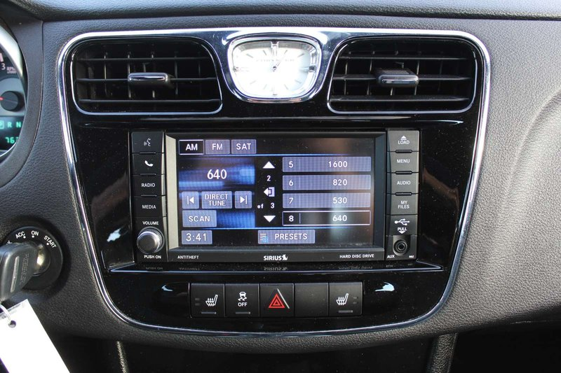 2013 Chrysler 200 for sale in Mississauga, Ontario