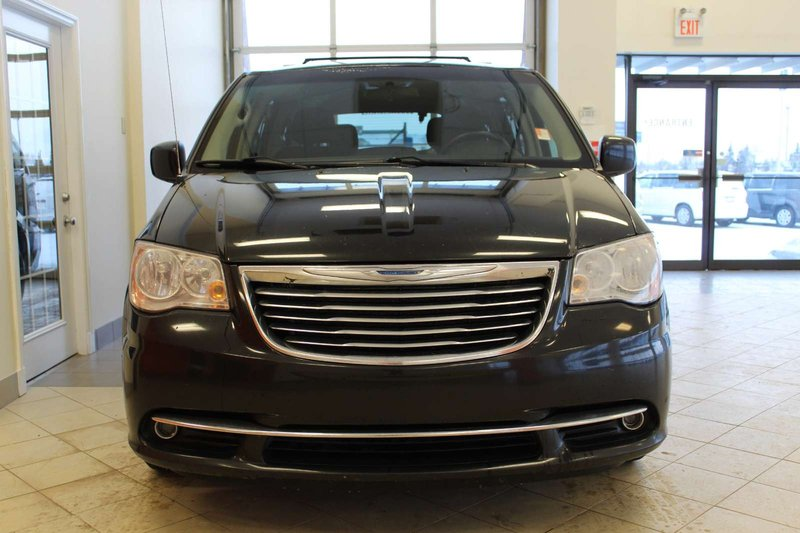 2014 Chrysler Town & Country for sale in Red Deer, Alberta